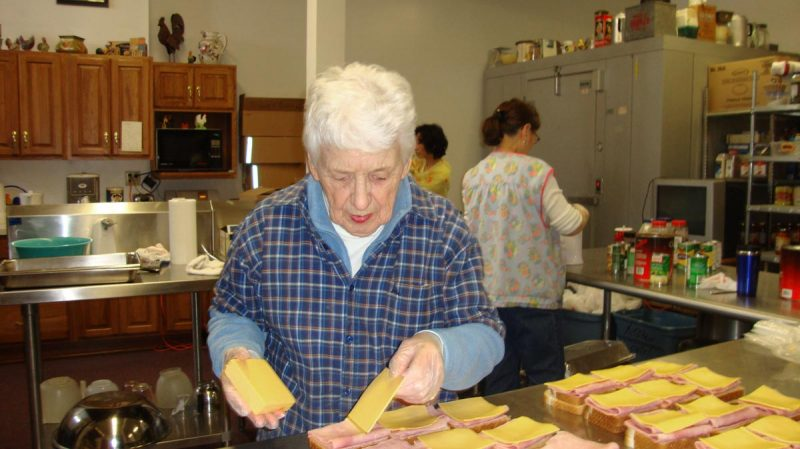 Hearts for the Homeless - Ardrey making sandwiches